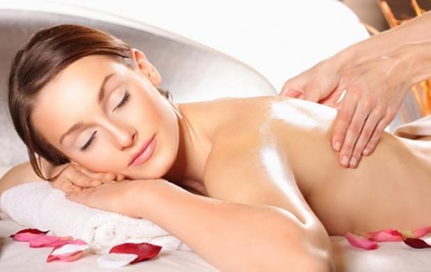 Cómo dar un masaje corporal completo: 16 pasos -