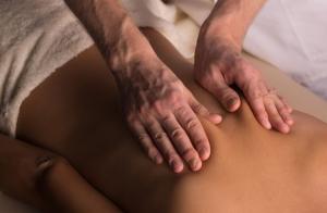 Masaje de espalda y/o piernas ¡date un respiro!