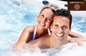 En San Valentín regala un circuito spa 'flotando en el lago'